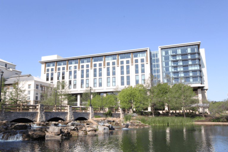 Gaylord Texan resort completed